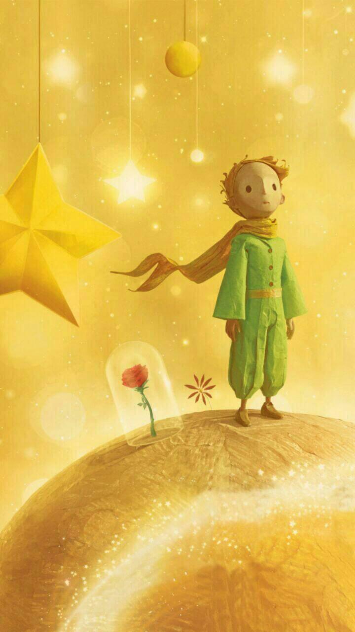 《小王子》是法国作家安托万德圣埃克苏佩里于1942年写成的著名儿童文学短篇小说,故事充满童趣与爱。本书的主人公是一个来自太阳系中某颗小行星的小王子,因为和一朵美丽骄傲的玫瑰花闹了别扭,便离家出走,开始游历各个星球的旅程。  小王子有一个小星球,他叫它B-612小星球,小王子是那个小星球唯一居民,没有朋友,他每天做的事情,就是看日出、星球梳洗、清除猴面包树  在B-612小星球 里,小王子有一只玫瑰,矜傲而美丽的玫瑰,与太阳同时出生,她用她那敏感多疑的虚荣心折磨着小王子,提了很多无理要求,导致小王子离家出走